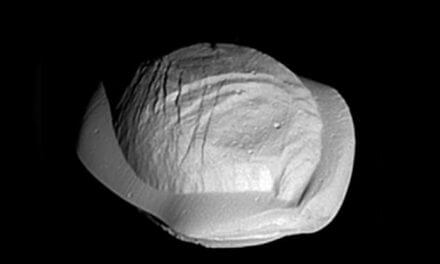 Saturn's moon looks like a varenyk